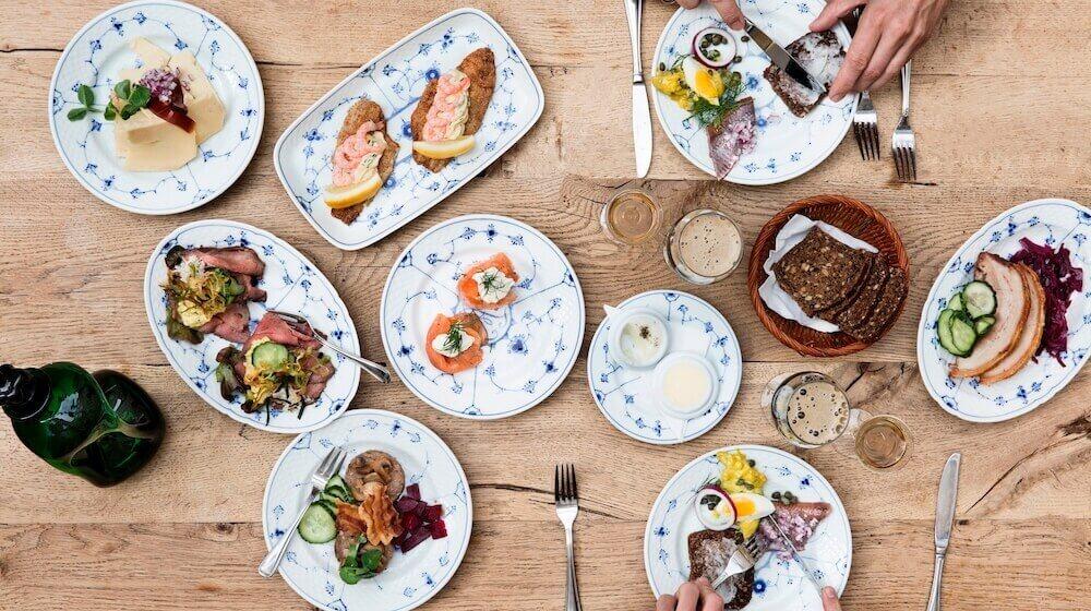 2020.Sæsonens platte_Restaurant Kronbnorg_Photo by Chris Tonnesen.jpg