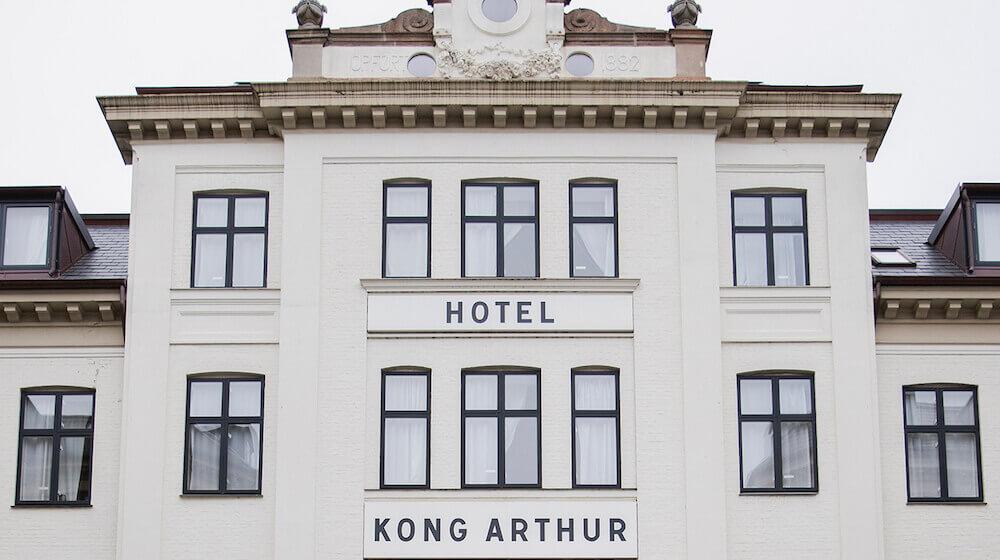 Kong-Arthur-front-1500x988-2.jpg
